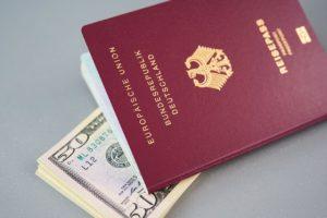 דרכון ודולרים